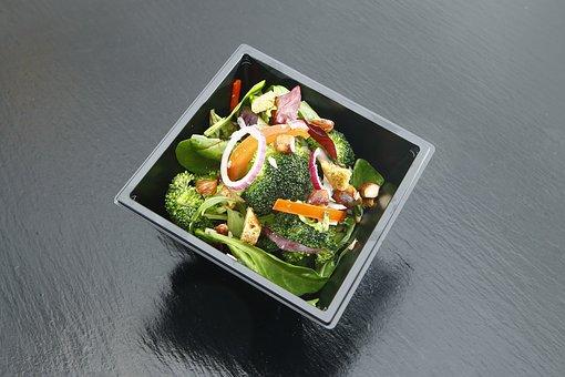 La vaisselle biodégradable peut répondre au besoin de tout le monde